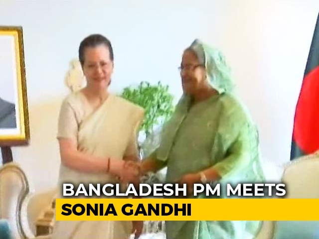 Video : Bangladesh PM Sheikh Hasina Meets Sonia Gandhi And Manmohan Singh