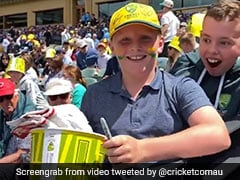 Watch: David Warner Makes Young Fan