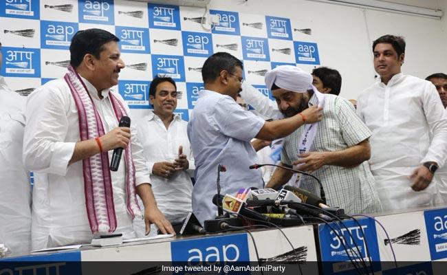 कांग्रेस से विधायक रहे प्रह्लाद सिंह साहनी ने थामा AAP का हाथ, कहा- चुनाव लड़ने के लिए नहीं हुआ शामिल