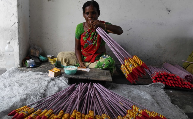 $800 Million Firecracker Industry In Tamil Nadu's Sivakasi Hit By Anti-Pollution Drive