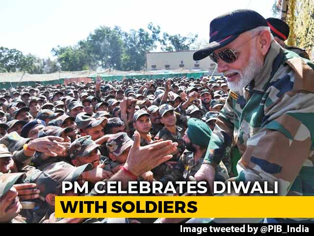Video : Watch How PM Modi Celebrated Diwali With Soldiers In Jammu And Kashmir