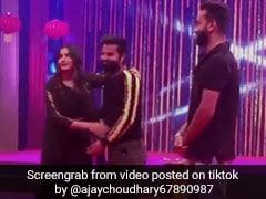 सपना चौधरी ने धमाकेदार डांस करने के बाद शख्स को कहा- 'मोटापा कम करो...', देखें TikTok Viral Video
