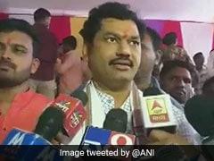 धनंजय मुंडे प्रकरण में ट्विस्ट, मंत्री के समर्थन में आए बीजेपी नेता, इस्तीफे की पेशकश से इनकार