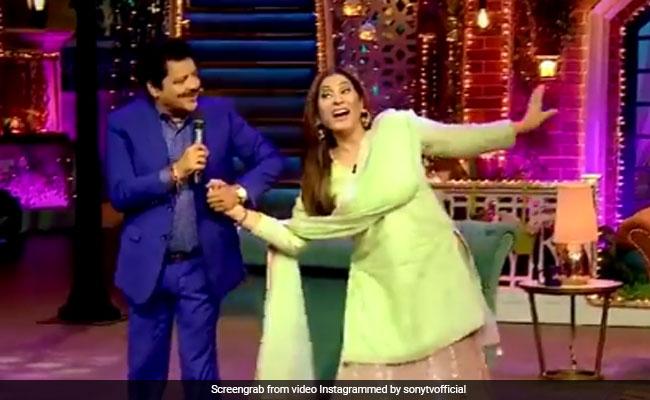 अर्चना पूरन सिंह के लिए रोमांटिक गाना गा रहे थे उदित नारायण तभी आ गईं उनकी बीवी, और फिर...देखें Video