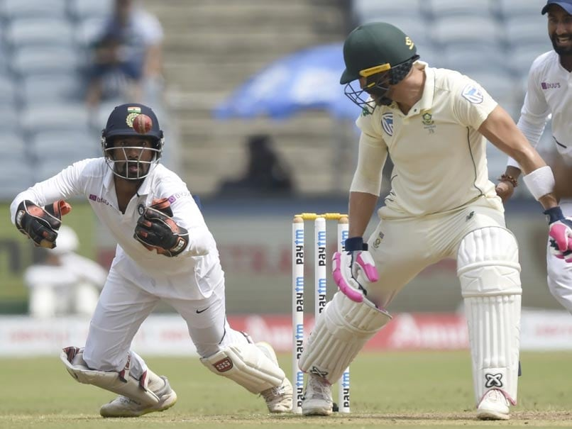India vs South Africa: Wriddhiman Saha Wows Fans With His Juggling Act On Day 4