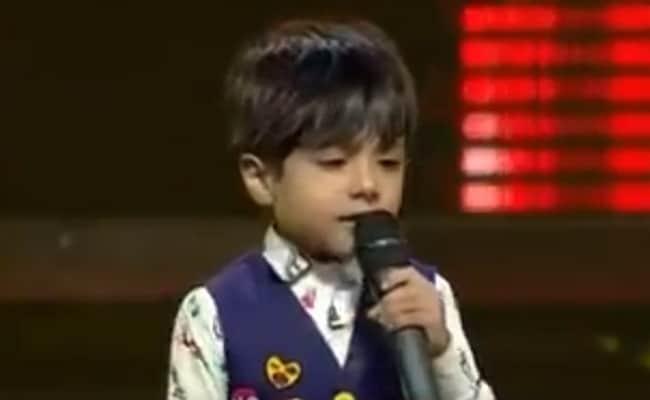 Viral Video: इस बच्चे ने 'आती क्या खंडाला' पर छेड़ी ऐसी धुन, बड़े-बड़े सूरमा हो गए ढेर- देखें वीडियो