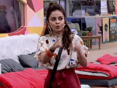 <i>Bigg Boss 13</i>: Did Devoleena Bhattacharjee Really Slap Shehnaz? Angry Twitter Says, 'Throw Her Out'