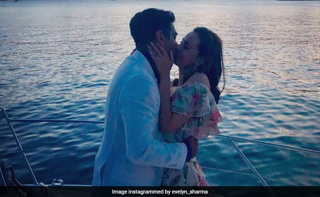 Saaho Actress Evelyn Sharma Is Engaged, Shares Romantic Proposal Pic