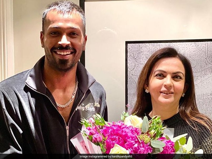 Nita Ambani meets wih Hardik pandya in London