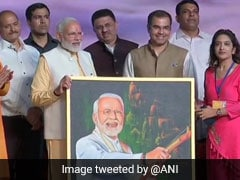Delhi Girl Presents Self-Made Painting To PM Modi