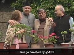 जम्मू-कश्मीर के पूर्व मुख्यमंत्री फारुक अब्दुल्ला की रिहाई का शशि थरूर ने किया स्वागत