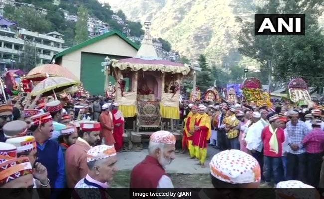 हिमाचल प्रदेश में कुल्लू दशहरा उत्सव शुरू, 14 अक्टूबर को होगा संपन्न