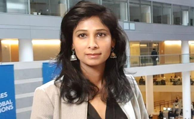 'बिग बी' ने की अर्थशास्त्री गीता गोपीनाथ की तारीफ, लोगों ने बताया 'सेक्सिस्ट टिप्पणी'