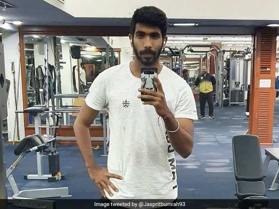 """Baby Weights"": England Woman Cricketer Teases Bumrah On Gym Selfie"