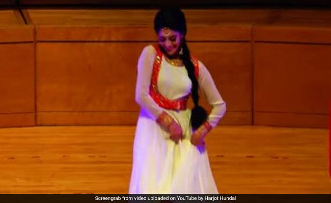 Viral Video: मनप्रीत टुर के डांस पर फिदा हुए फैन्स, तालियों और सीटियों की आवाज से गूंज उठा हॉल- देखें वीडियो