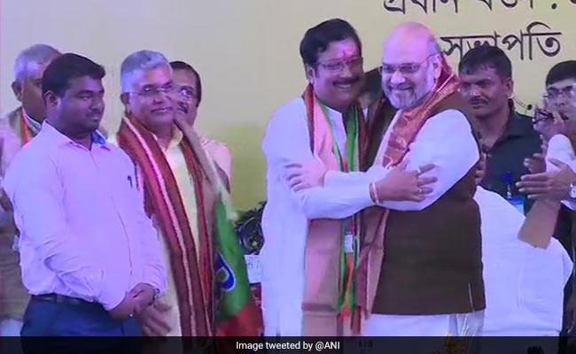 ममता बनर्जी को BJP ने दिया एक और झटका, TMC के इस दिग्गज नेता ने थामा भाजपा का दामन