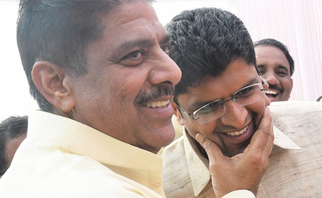 Haryana Swearing-In Ceremony - 'Biggest Gift,' Says Ajay Chautala As Son Dushyant Takes Oath