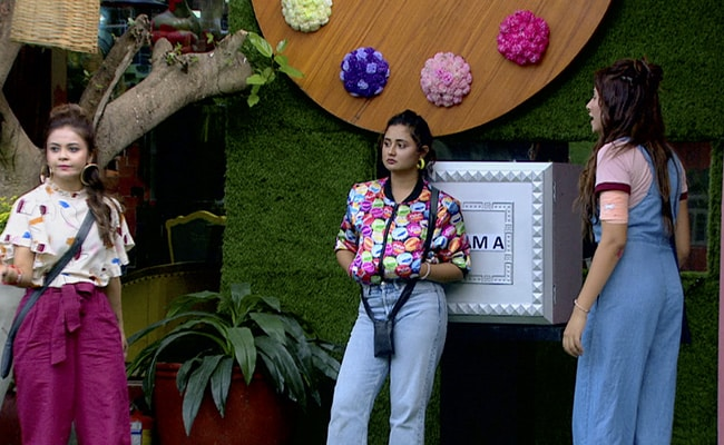 Bigg Boss 13 Written Update, October 14, 2019: Rashami Desai Breaks Down After Being Nominated For The Third Time
