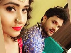 Bhojpuri Cinema: काजल राघवानी ने खेसारी लाल यादव के साथ की ऐसी शरारात, बेरुखी से बोले- क्या...देखें Video