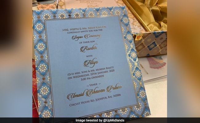 How Internet Figured Out Alia Bhatt, Ranbir Kapoor's Wedding Card Is Fake