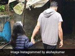 अक्षय कुमार ने बेटी संग गए झोपड़ी में, मांगा पानी तो मिली गुड़-रोटी, देखें वायरल Photo