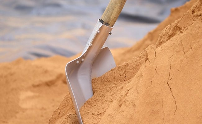 Man Digs Pit To Bury Daughter, Finds Baby Buried Alive In Earthen Pot