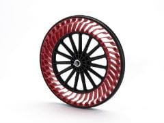 Airless Tyre Makers Hope For Breakout Moment With Autonomous Driving