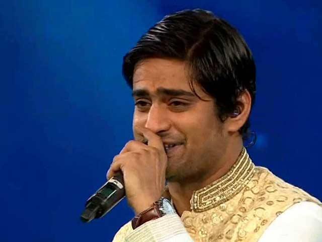 Video : Amit Mishra Performs <i>Suno Ganpati Bappa Morya</i> At Swasthagraha Telethon
