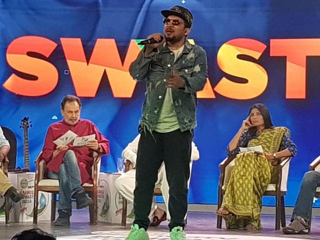 Video : Watch: Rapper Naezy Performs Banega Swasth India Anthem