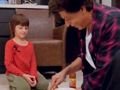 बेटे अबराम के लिए शाहरुख खान का उमड़ा प्यार, पिज्जा बनाकर यूं खिलाते आए नजर- देखें Viral Video