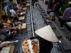 Hanoi closes Railway Trackside Cafes Thronged By Selfie-Seeking Tourists
