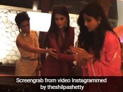 शिल्पा शेट्टी ने मोबाइल में आरती चलाकर की पूजा, Video शेयर कर लिखा- एक भारतीय को भारत से बाहर...