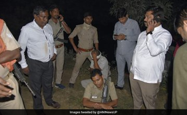 Car In UP Minister's Convoy Falls Into Pit, 2 Policemen Injured