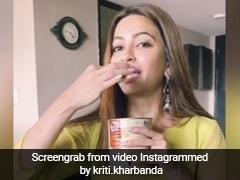 Viral Video: दिवाली पर मिठाई की जगह चॉकलेट देने पर भड़की 'हाउसफुल 4' की एक्ट्रेस, डिब्बा खोल गपागप खाने लगी रसगुल्ले
