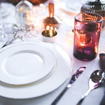 Gear Up To Host Diwali Parties With These 10 Stylish Dinner Sets