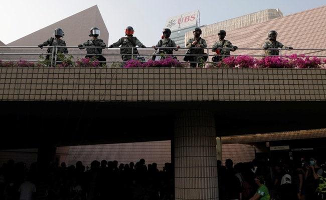 Chinese State Media Deletes Hong Kong Curfew Tweet