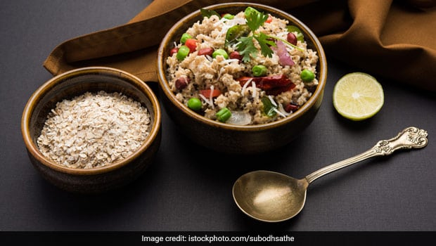 Healthy Breakfast Recipe: How To Make Delicious Oats Upma For A Power Breakfast (Video Inside)