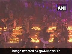 Ayodhya Deepotsav: रोशनी में नहाई अयोध्या नगरी, 5 लाख से ज्यादा दीयों से जगमग हुआ सरयू तट, देखें- VIDEO