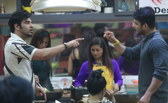 Bigg Boss 13 Written Update, October 10: Paras Chhabra And Siddharth Shukla Fight Over Food