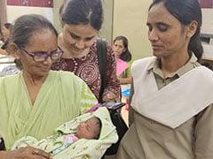 दिल्ली के नांगलोई में नवजात बच्ची लावारिस मिली, पुलिस ने नाम रखा 'दुर्गा'