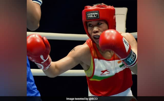 Womens World Boxing Championships: Indian Boxer Mary Kom beats Ingrit Valencia to enter 51kg semifinals, assures India of a medal