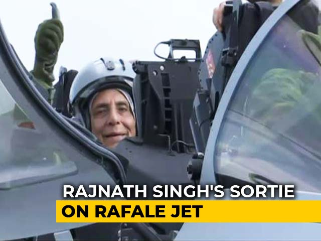 Video : Rajnath Singh Flies On India's First Rafale Jet After Handover In France