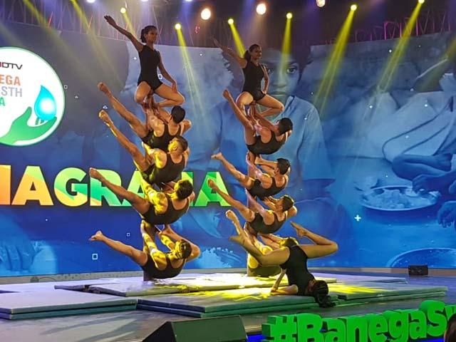 Video : Watch: Stunning Mallakhamba Performance At Banega Swasth India Campaign