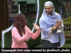 Bigg Boss: दुप्पटा ओढ़ सिद्धार्थ शुक्ला ने शहनाज गिल संग पाया गिद्दा, देखें बिग बॉस का यह अनदेखा Video