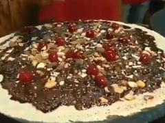 After Sweet Maggi, Video Of Chocolate Cherry <i>Dosa</i> Angers Twitter