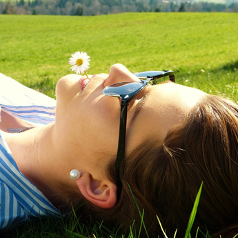 How To Get Healthy, Glowing Skin Even In The October Heat