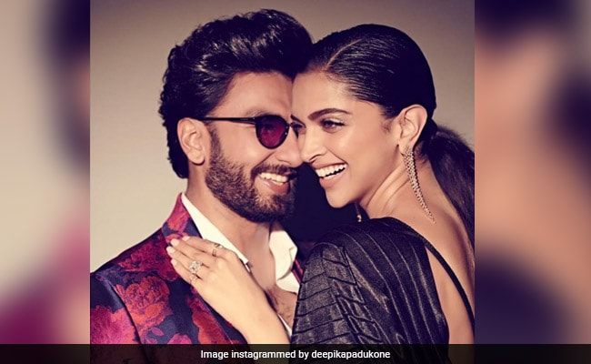 On Ranveer Singh's 'Entertainer For Hire' Post, ROFL Comments By Deepika Padukone And Arjun Kapoor
