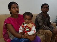 दिल्ली के मुख्यमंत्री अरविंद केजरीवाल की मदद से इस बच्चे को अस्पताल में बेड मिला