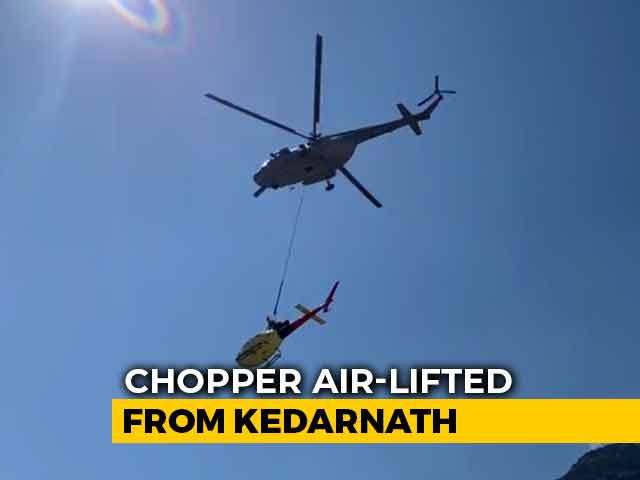 Video : 2 Air Force Choppers Airlift Helicopter After It Crashed Near Kedarnath
