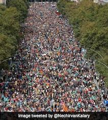 नेताओं की रिहाई के लिए सड़कों पर आए 5 लाख से ज्यादा लोग, पुलिस लाठीचार्ज का Video हुआ वायरल